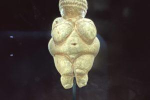 『ヴィレンドルフのヴィーナス』は地母神それともポルノ的存在?!